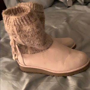 Like New Cream Sweater Boots
